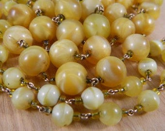1920s Vintage Yellow Glass Beaded Necklace / Long Strand of Yellow Glass Pearls / Flapper Necklace with Yellow Marbled Glass Beads
