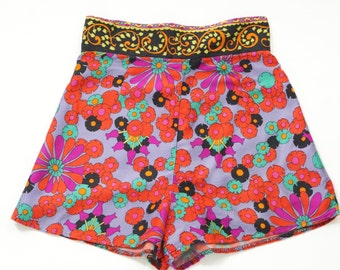 Vintage Late 60s Shorts, 1960s Shorts, 60s Psychedelic Shorts, 60s Alex Coleman Shorts, 60s flower power shorts, Late Sixties clothing