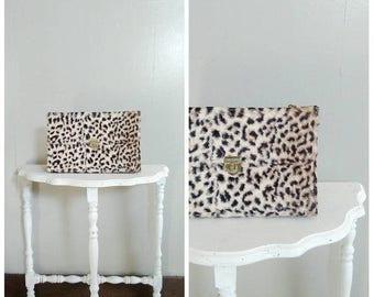 20% OFF / Miss Minx 1960s Faux Fur Leopard Print Handbag with Gold Tone Chain Strap Detail