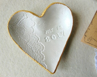 Ring Dish Favors, 12 Wedding favors, 12 Heart Dish each in lace bag, Personslized Favors