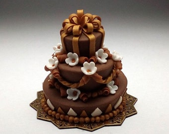 1/12 scale handmade dollhouse miniature Mad Hatter chocolate Wedding Cake