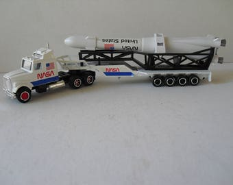 Majorette diecast Kenmore NASA rocket semi trailer