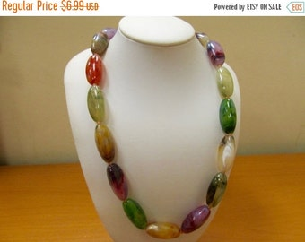 On Sale Retro Multi Colored Plastic Beaded Necklace Item K # 3092
