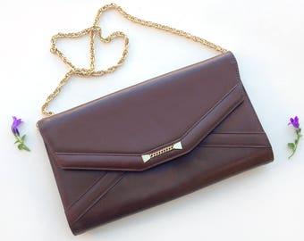 Leather clutch Bag / Vintage 70s pochette / brown envelope flap bag / gold chain shoulder bag / Italian handbag purse / hippie satchel