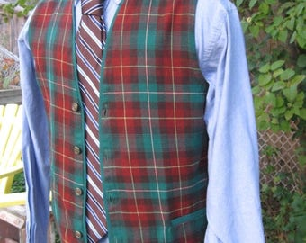 "SALE Vintage Men PEI Tartan Plaid Vest, 1960s Made in  Canada Size chest 39""  Scottish wedding  Thistle of Nova Scotia shop,Eastern Canada"