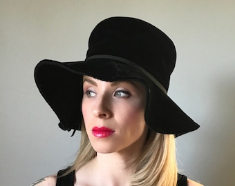 Vintage 60s Velvet Bucket Hat by Gibbé