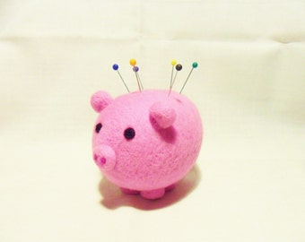 Needle Felted Pig Pin Cushion - 100% merino wool - felted pin cushion - felted pig - felt pin cushion