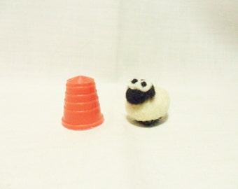 Needle Felted Micro Sheep - miniature sheep - 100% merino wool - micro animal - wool felt sheep - felted sheep