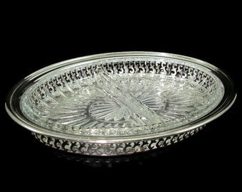 Oneida Silver 2 Section Serving Dish, Pierced Silver Oval Tray, Two Section Glass Liner, Wedding Buffet Server
