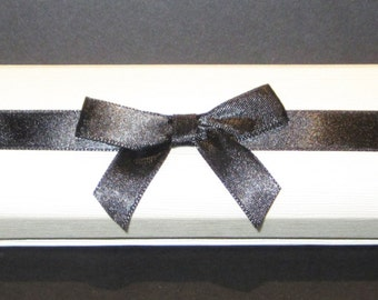 Ribbon-Wrapped Cream & Black Faux Linen Bracelet Gift Box (10 Boxes per Package)
