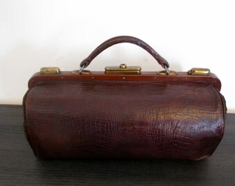 Stunning Antique French Leather Doctors Bag-1900s Travel Bag-Carry On Bag-Beautiful Aged Mahogany Leather-Croc Motif Leather-Great Condition