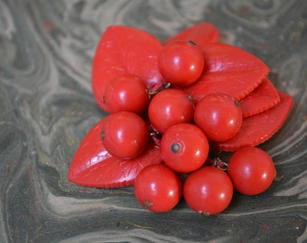 vintage 50s red flower brooch plastic 2.5 inches