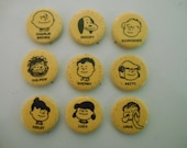 Vintage Peanuts pin back buttons, Charlie Brown, Lucy, Snoopy, Pig-Pen, Schroeder, Linus, Comic strips, Charles Shultz United Features
