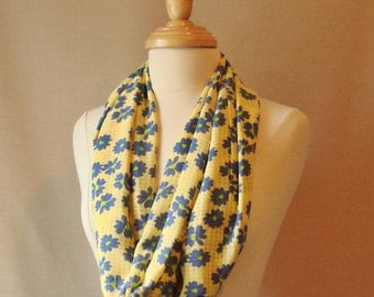 Free Shipping, Large Infinity Scarf--Pale Yellow with Cornflower Blue Daisies Infinity Scarf
