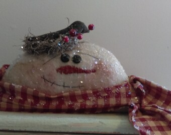 pRiMiTiVe Winter ChRiStMaS SnOwMaN and CrOw sHeLfSiTTeR mAntLe DoLL  FAAP