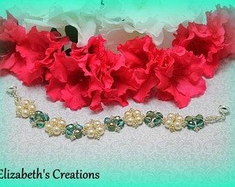 Swarovski Pearl and Fire Polish  Beaded Bracelet, Beaded Bracelet, Green & Ivory Bracelet, Beaded Pearl Bracelet, Bridesmaid Bracelet