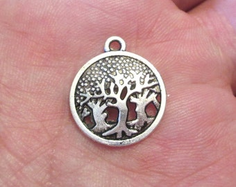 5 x Tree Carved Hollow Charm Pendants Round Antique Silver 19mm x 16mm