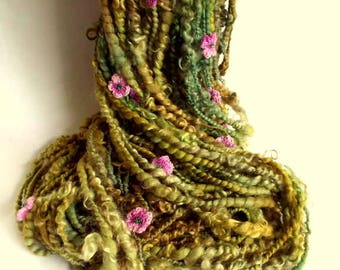 Flower art yarn, handspun knitting yarn, art yarn, thick and thin knitting wool, soft greens with pink beaded flowers