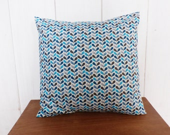 Cushion - 40 x 40 cm - fabric flowers Scandinavians tones blue, turquoise and Brown