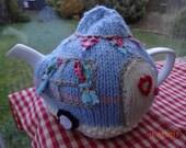 Hand knitted caravan tea cosy cozy campervan shabby chic retro vintage 4 - 6 cup