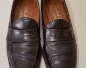 Vintage Ferragamo Shoes 90's Black Leather Designer Loafers Black Slip On Penny Loafers Size 6 1/2 AA Made in Italy
