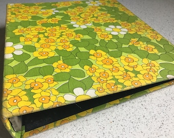 Vintage floral mod Daisies and daffodils 3 ring binder