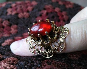 Filigree cocktail ring red gold costume jewelry