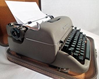 Remington Quiet Riter Portable Typewriter, Miracle Tab, carrying case