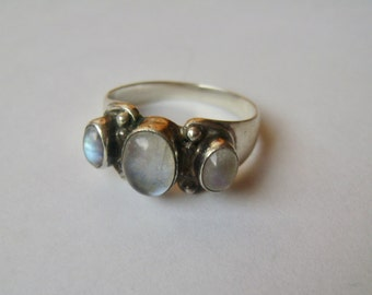 vintage rainbow moonstone trilogy ring, size 8