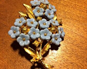 "Vintage Blue ""Forget Me Not"" Flower Brooch, Trifari style"