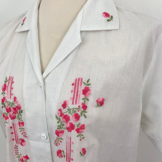 "Vintage blouse pink roses embroidered blouse folk embroidery 40"" chest UK 14 short sleeved classic 1950s 1960s"