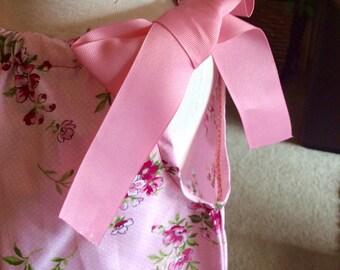 BEAUTIFUL FLORAL PILLOWCASE Girls Dress. Party dress, church dress, spring dress, Summer wear, great gift idea.