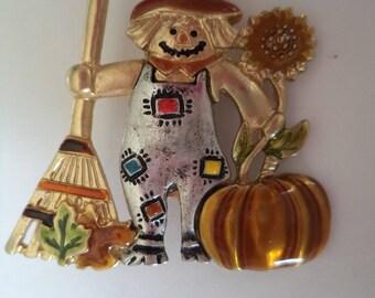 Fabulous Signed KC Kerissa Creations Goldtone Harvest Scarecrow Brooch/Pin
