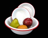 Vintage Enamelware Bowls, Set of 3, White Red Trim, Metal Bowls, Farmhouse Cottage Decor, Very Good Condition