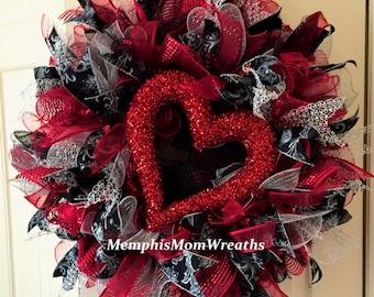 Deco Mesh Valentine's Wreath - Deco Mesh Wreath - Valentine's Wreath - Heart Wreath
