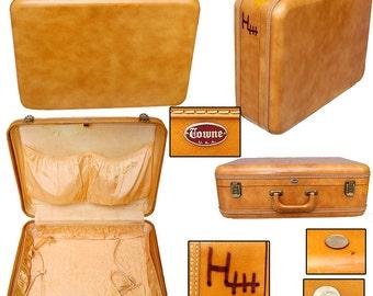 Vintage Towne Suitcase / Pin-up Suitcase / Burlesque Suitcase / Mid Century Suitcase