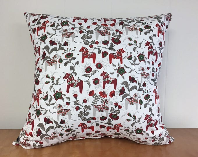 Swedish Christmas Dala Horse Pillow Cover Red Green