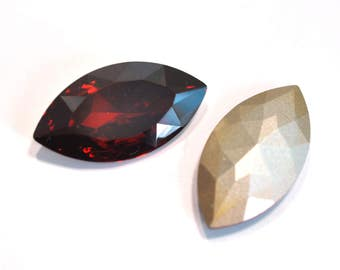 Swarovski 32x17mm Navette 4227 Red Magma 1 Piece