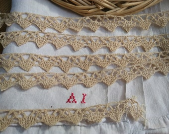 2.5 Yards Victorian Thick Beige Lace Braid Hand Crocheted French 1900's Cotton Home Decor Lace Sewing Project #sophieladydeparis