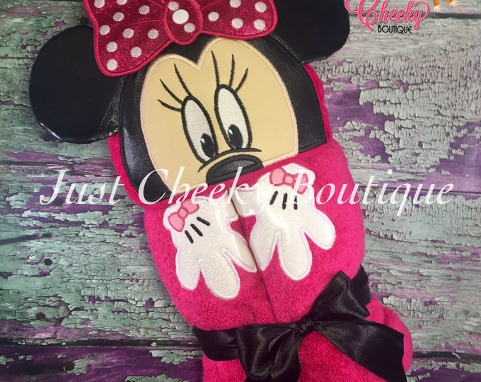 3D Girl Mouse Inspired Hooded Towel - Minnie - Disney Birthday