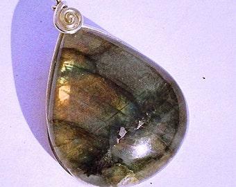 """Labradorite pedant in bronce """"Aquarius"""""""