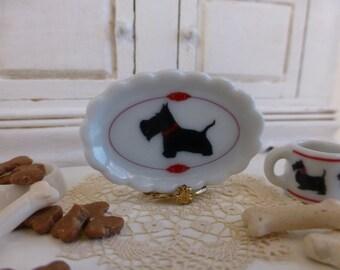 Scottish Scalloped Dollhouse Miniature Tray