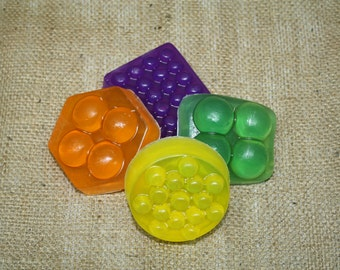 Soap Mold 2 Pack, Plastic Reusable Molds, Geometric Shapes and Massage Bars
