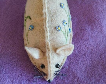 Daisy, the Embroidered pin cushion mouse