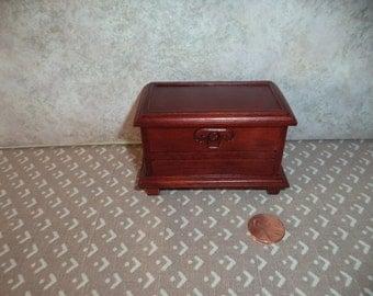1:12 scale Dollhouse miniature Mahogany Blanket Trunk