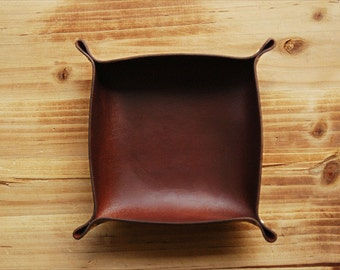 Leather Tray - Valet Tray - Groomsmen Gift - Catch All - Brown Leather Tray - Personalized Gift - Gift for Him - Fathers Day Gift