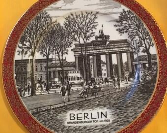 Vintage wall plate signed Schedel Bavaria - Berlin Brandenburg Gate Scenic Souvenir Wall Plate