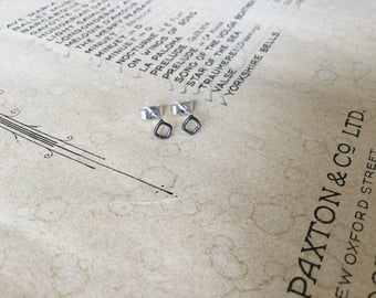 Tiny squares stud earrings - oxidised silver