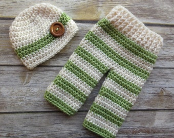 READY TO SHIP ~ Crocheted Baby Boy Pants and Hat with Wooden Button Set ~ Cream & Sweet Pea Green ~ Gift or Photo Prop ~ Newborn (0-2 Month)