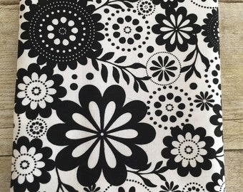 Riley Blake Designs Fabric Black and White Flowers--Fat Quarter